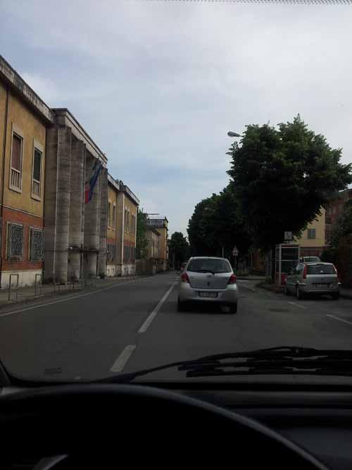 VIALE ITALIA: DALL'INCURIA MANUTENTIVA ALLA SCIATTERIA COSTRUTTIVA