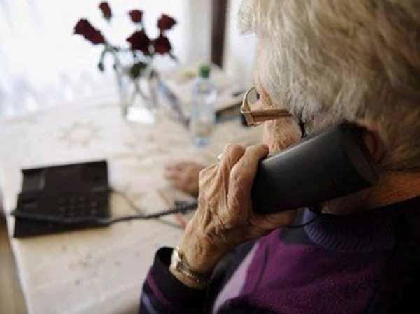 UN TELEFONO AMICO PER ANZIANI SOLI