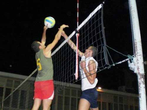 """BEACH VOLLEY QUARRATA"", E D'IMPROVVISO SI SPENSERO I RIFLETTORI"