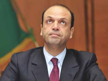 CONTA DEI MIGRANTI, IL SAP GIRA LA QUESTIONE A ALFANO
