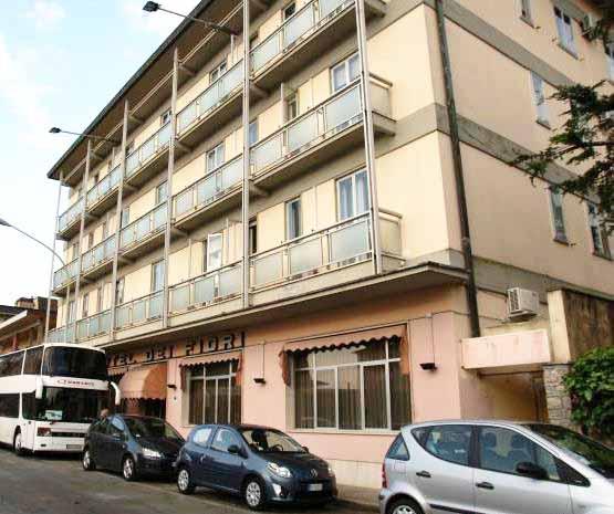 """""""PD-PESCIA È DI TUTTI"""" SOLIDALE CON I MIGRANTI DELL'HOTEL DEI FIORI"""