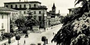 Ancora una vecchia foto di Piazza Garibaldi