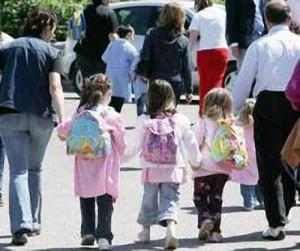 Bimbi accompagnati a scuola