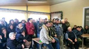 I cittadini presenti all'incontro a Pescia Morta