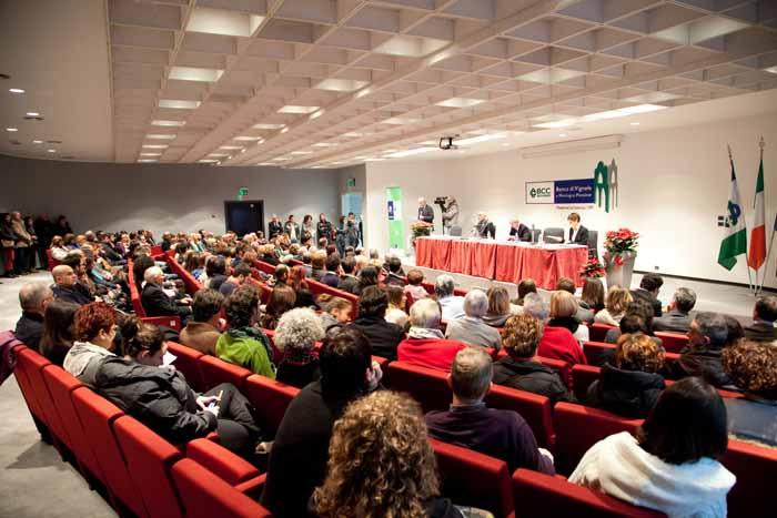 LA BCC DI VIGNOLE E MONTAGNA CONSEGNA 55 BORSE DI STUDIO