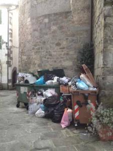 Cassonetti a San Marcello