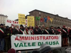 Amministratori No tav in piazza Castello