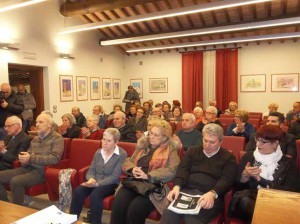 La sala durante la conferenza stampa