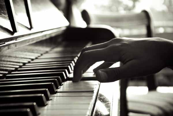 CONCERTO DI PIANOFORTE ALLA CASA DELL'ANZIANO CON FILIPPO BALDUCCI