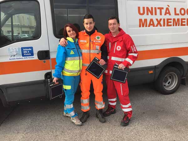 QUARANTA TABLET PER I VOLONTARI SULLE AMBULANZE