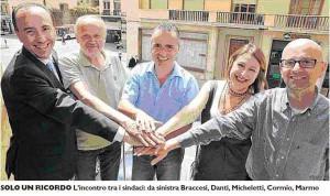 Fusione comuni montani L'incontro tra i sindaci: da sx Braccesi, Danti, Micheletti, Cormio, Marmo