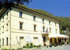 Sambuca. La sede del Comune a Taviano