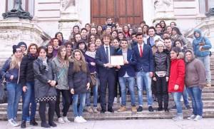 Ragazzi di San Marcello e l'On. Fanucci. Foto di gruppo