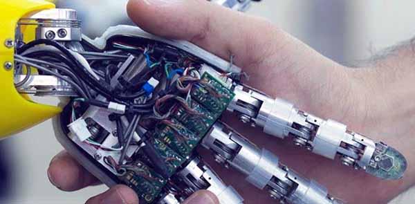 KUBO, IL ROBOT CHE AIUTA GLI ANZIANI A RESTARE GIOVANI