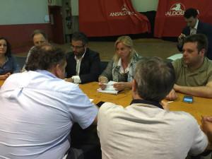 Giannarelli e i candidati M5s con la Rsu Ansaldo Breda