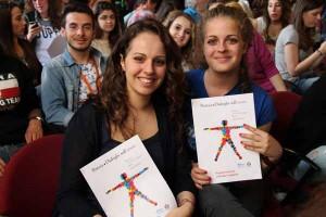 Due volontarie dei Dialoghi 2015 (2)