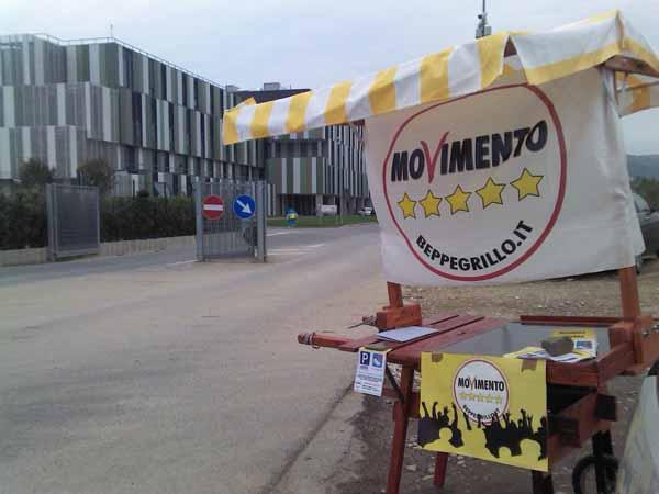 M5S: «NO-ESPROPRI GE.SAT AL SAN JACOPO: PARCHEGGIO LIBERO!»