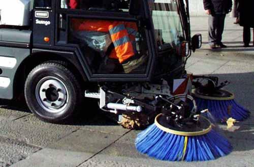 pulizia stradale. ALCUNE MODIFICHE ALL'ORARIO