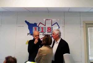 Il dott. Paolini con Roberto Abati e (di spalle) Lucia Turco