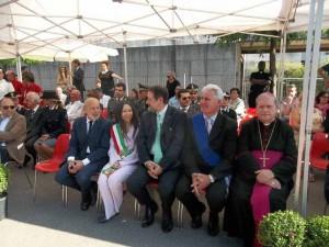 Il dottor Fabrizio Amato, Daniela Belliti, Rinaldo Vanni, il Vescovo Fausto Tardelli
