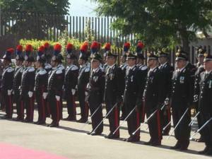 Carabinieri in fila