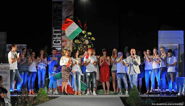 """FASHION NIGHT LIVE"" A SANTOMATO"