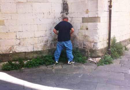 BENVENUTI A PISTOIA, CITTÀ CADUTA IN BASSO