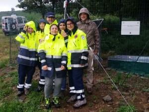 Un gruppo di volontari durante l'inaugurazione