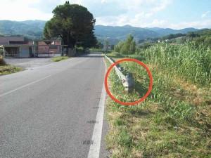Guard rail-trappola alla ex Permaflex di Gello