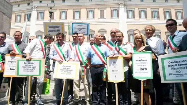 PICCOLI COMUNI ITALIANI IN RIVOLTA