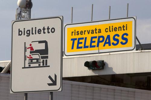 LA SOCIETÀ AUTOSTRADE CI AMA: ANCHE QUESTA È ITALIA