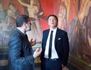 Con le manine in tasca, a Pompei.