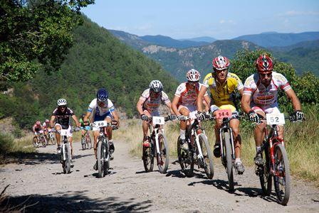 """mountainbike. LA """"GRAN FONDO DA TORRI A TORRI"""" COMPIE QUINDICI ANNI"""