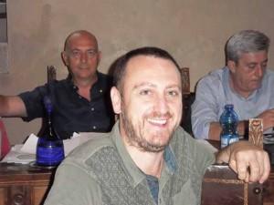 Massimiliano Sforzi. Alle spalle Sabella e Gallacci