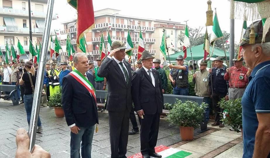 MONTEMURLO. GONFALONE DEL COMUNE ASSENTE ALLA FESTA DEGLI ALPINI