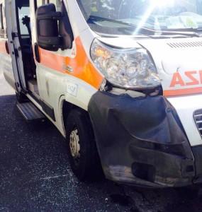 L'ambulanza coinvolta nell'incidente