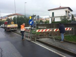 Lavori su via Montalese nelle vicinanze di villa Strozzi