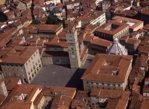 Pistoia. Veduta di Piazza Duomo