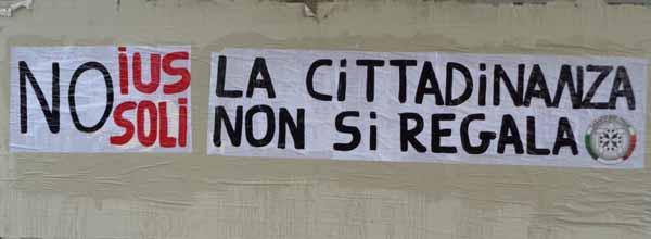 """""""IUS SOLI"""", GLI STRISCIONI DI CASAPOUND"""
