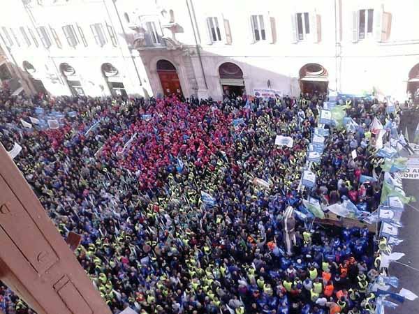 SAP. A ROMA PER LE CONDIZIONI DISDICEVOLI DEGLI OPERATORI DI POLIZIA