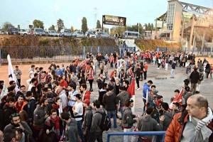 il momento dell'arrivo dei tifosi al Forum - foto Maestripieri