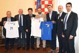 Le delegazioni azzurra e ceca in Comune