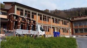 L'esterno della scuola Fucini