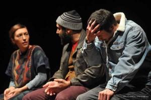 Gli Omini in una scena dello spettacolo