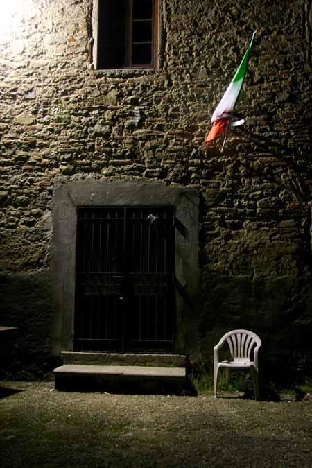 «DI FRONTE AL FRONTE», ATTIMI DI VITA ITALIANA