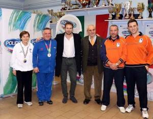 Salvatore Sanzo con gli atleti toscani