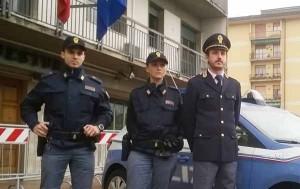 Agenti della Squadra Volante. A destra il commissario capo Duccio Ciappelli