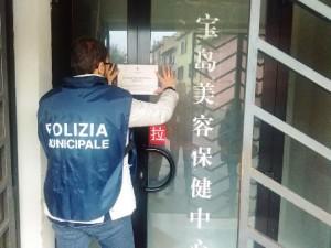 Una operazione di anticontraffazione da parte della Polizia Municipale a Prato