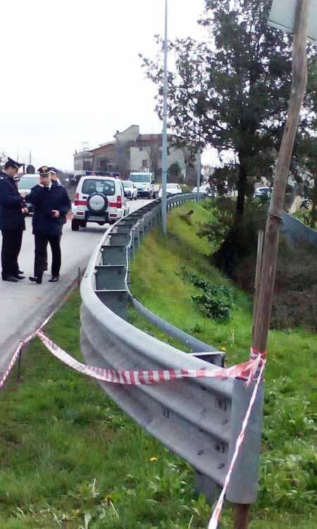 carabinieri. INVESTITO DA UN'AUTO PIRATA E SCARAVENTATO IN UNA CUNETTA