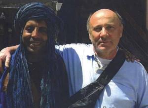 Salvatore Magazzini con l'amico berbero